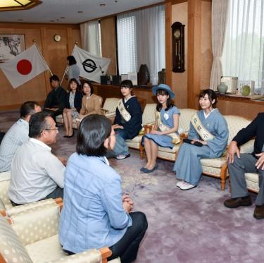 第35代倉敷小町が伊東市長を訪問 1-2