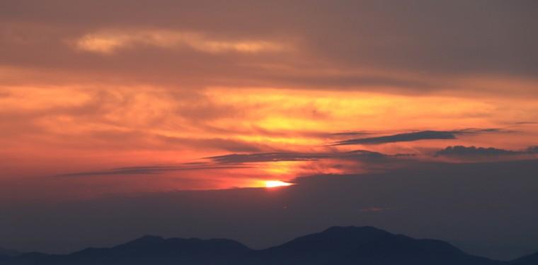 三百山からの夕日