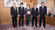 ファジアーノ岡山の選手が倉敷市役所を訪問