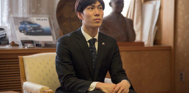 田中刑事選手が倉敷市長を訪問