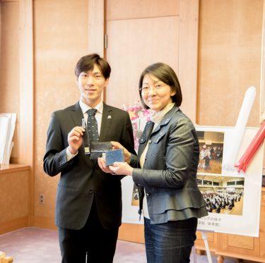田中刑事選手が倉敷市長を訪問 2-1