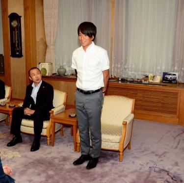 リオ五輪・サッカー日本代表 ファジアーノ岡山・矢島選手が倉敷市訪問 2-3