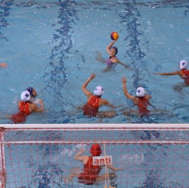桃太郎カップ(全日本ユース(U15)水球競技選手権大会)開催中 2-1