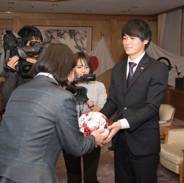 ファジアーノ岡山の選手が倉敷市役所を訪問 1-3