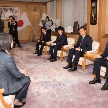 ファジアーノ岡山の選手が倉敷市役所を訪問 1-2