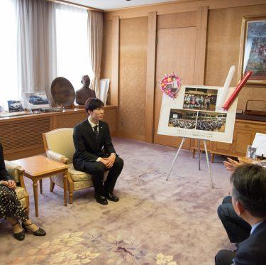 田中刑事選手が倉敷市長を訪問 1-3